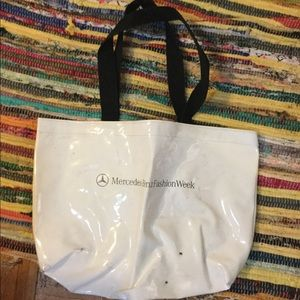 Kenneth Cole tote bag shiny white